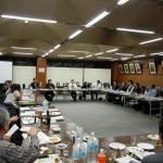 熟成古酒の会2011 利き酒をしながら参加者で議論
